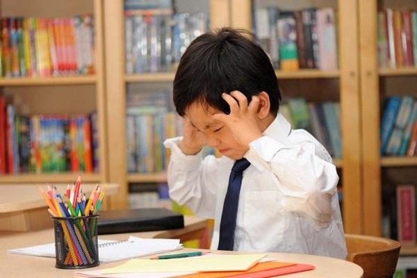 Những thói quen cha mẹ cần từ bỏ nếu muốn con học tốt tiếng Anh