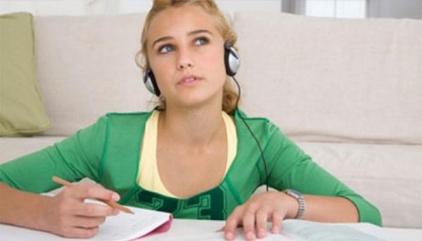 """3 bí quyết giúp bạn trở thành """"cao thủ"""" viết IELTS"""