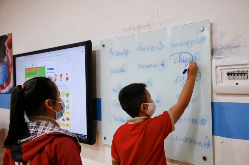 Những kỹ năng người lớn cần có khi dạy tiếng anh cho trẻ lớp 1